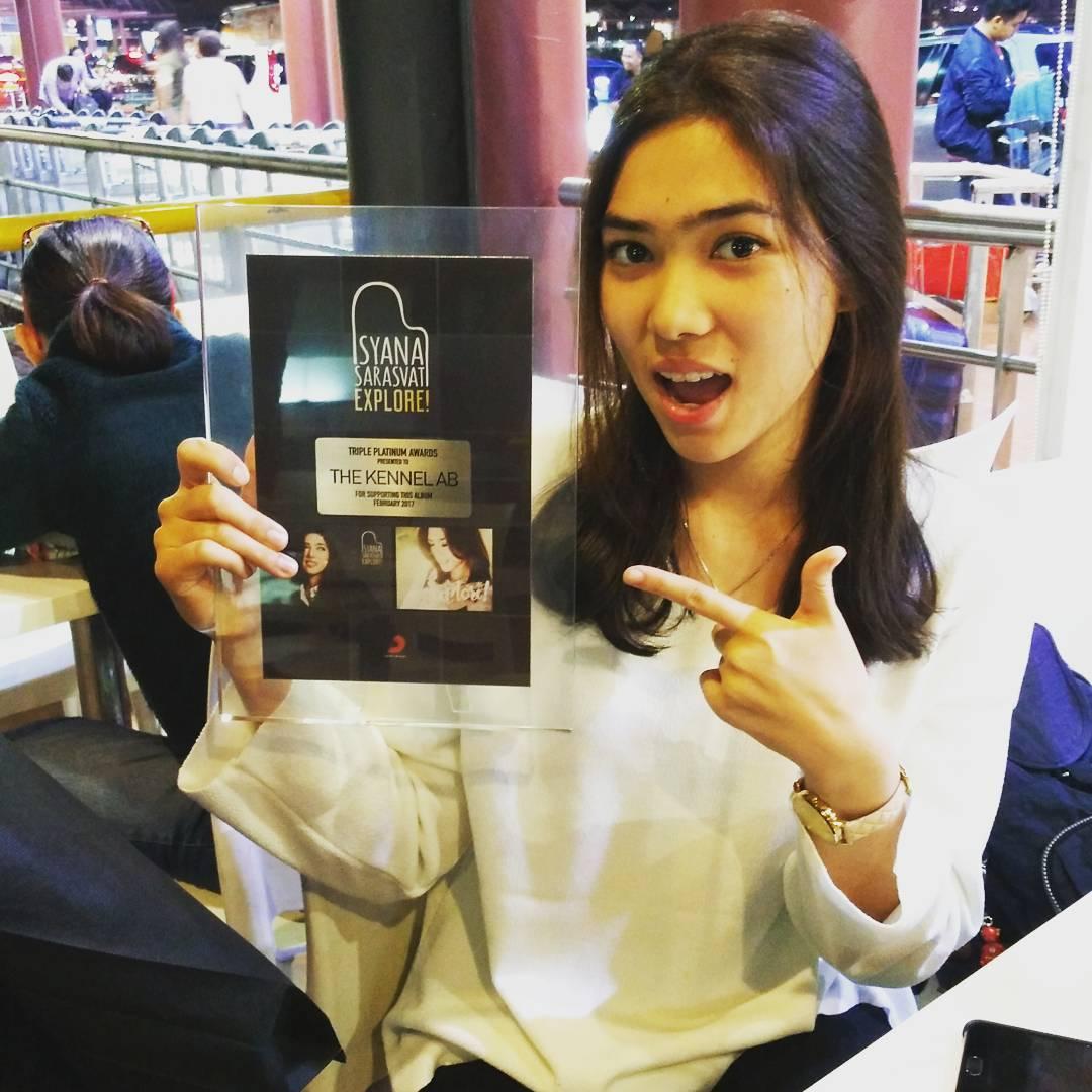 "Triple Platinum Award Album ""Explrore"" Isyana Sarasvati [Desain Plakat]"